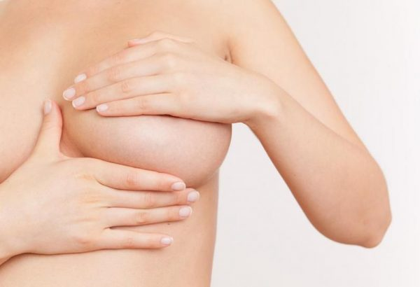¿Necesito preparar mis pechos durante el embarazo para poder amamantar?